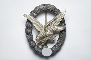 Wireless operator's/air gunner's badge
